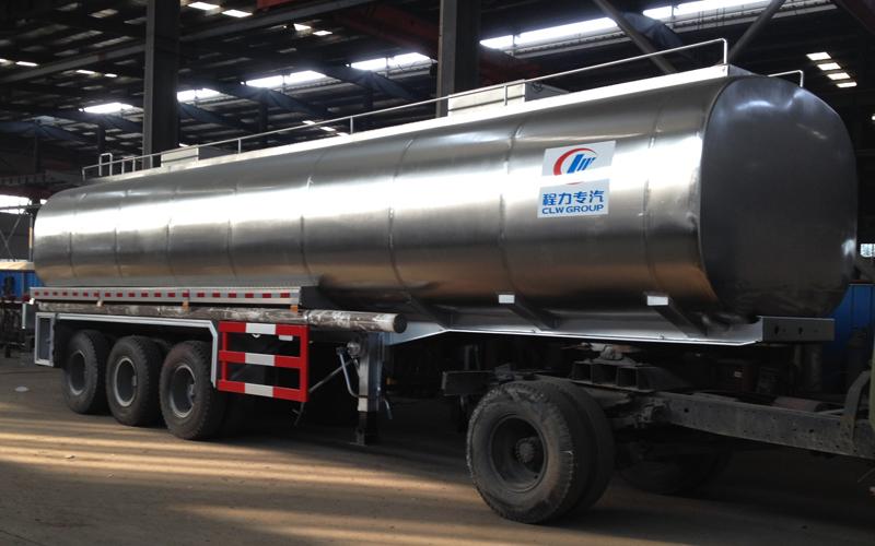 30吨鲜奶运输半挂车