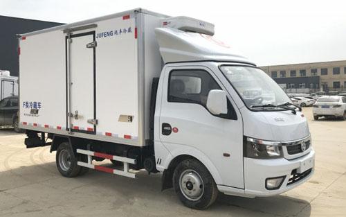 国六东风途逸厢式冷藏车