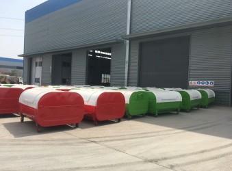 垃圾车厂家介绍一款垃圾车的配套产品-3方垃圾箱