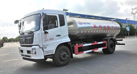 东风天锦鲜奶运输车